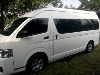 SEWA  RENTAL MOBIL HIACE SOLO 2019 ADA UNIT PREMIO DAN LUXURY CAPTAIN SEAT
